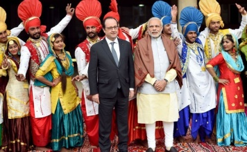 15 Very Funny Tweets About Narendra Modi Hanging Out With FrancoisHollande