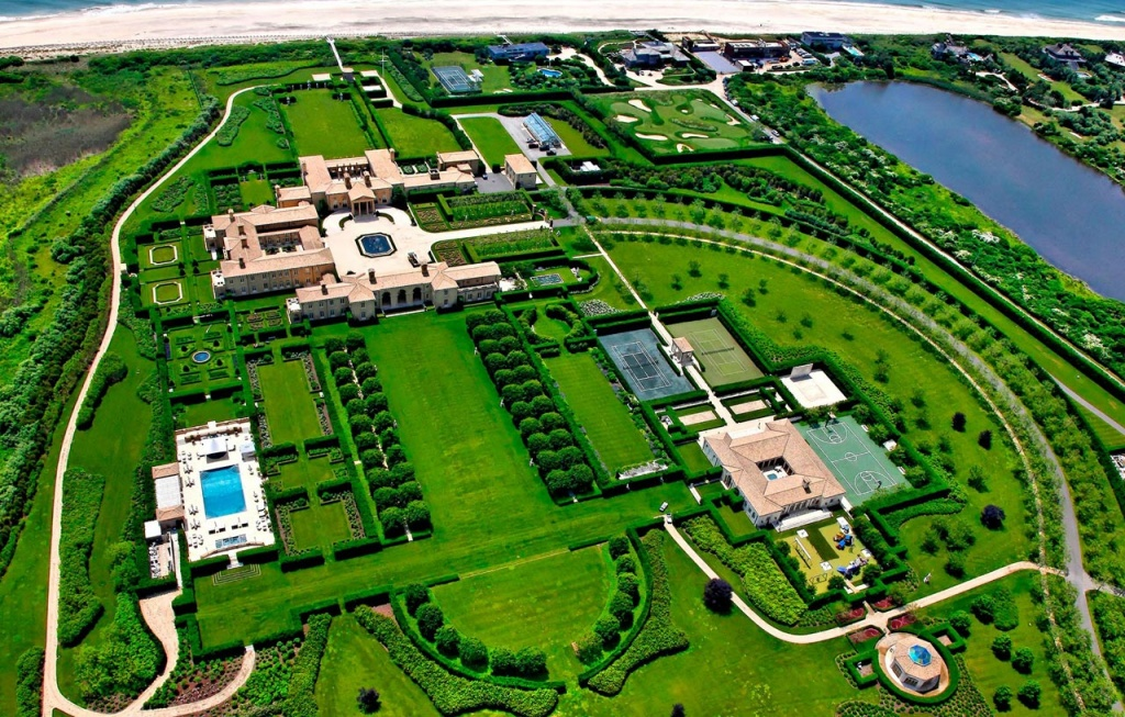 Biggest house in the world luxurious abode of the rich for Most expensive homes in the hamptons