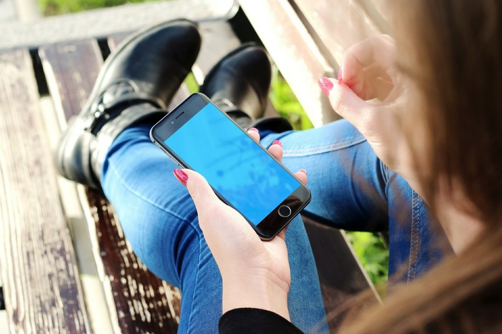 10 Ways to Use Your Smartphone Safely