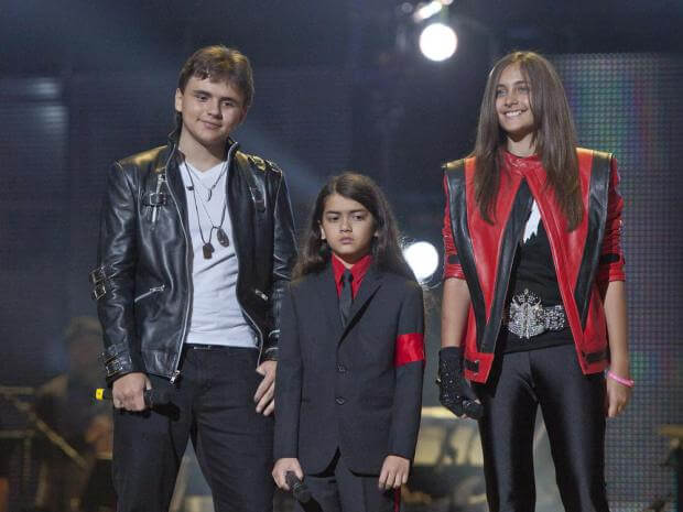 Michael Jackson's Little Girl Paris Almost Not Recognizable As She Grows Into Total Beauty-7