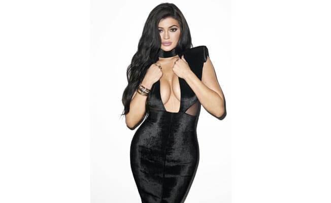 kylie-jenner-is-splitting-image-sister-kim-kardashian-652x400-7-1441791930
