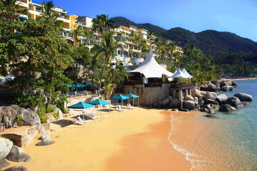 Top 10 Honeymoon Destinations in the World-Camino Real Acapulco Diamante