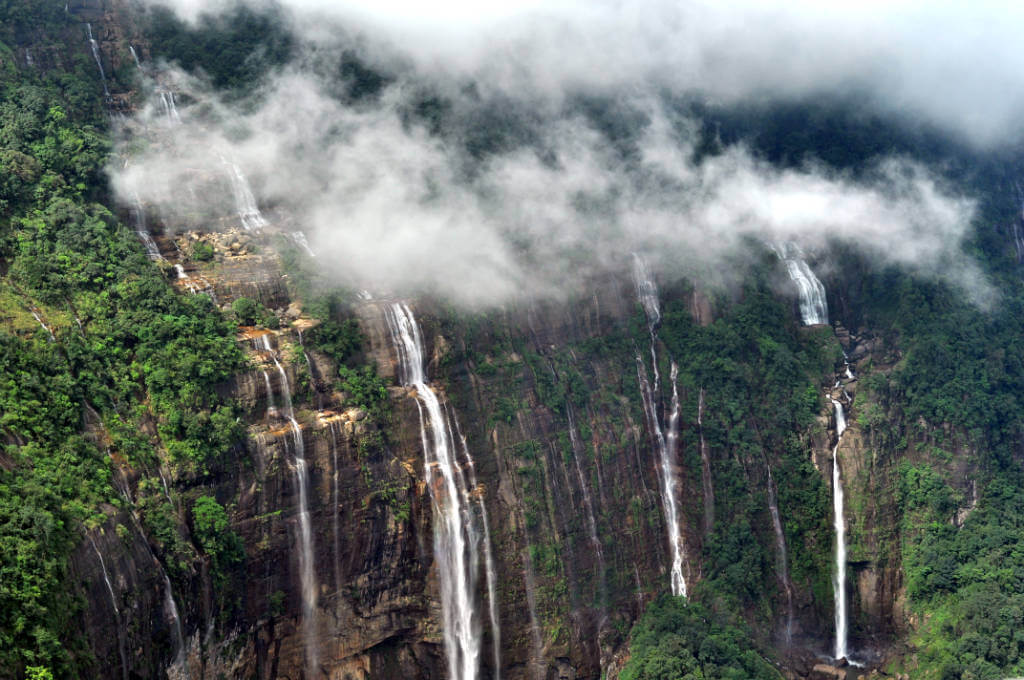 Top 5 Highest Waterfalls in India-Nohsngithiang Falls