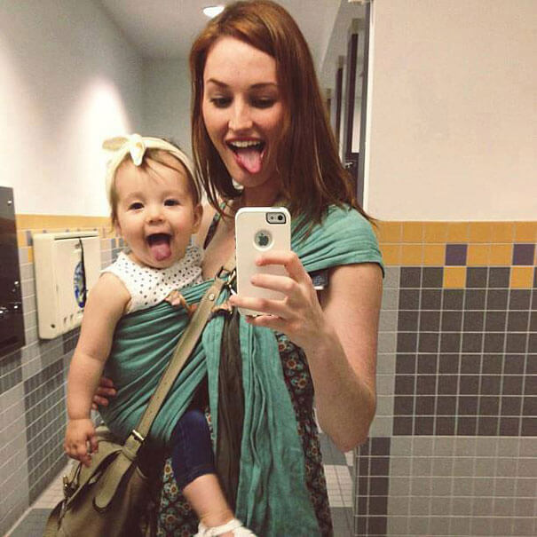 like-mother-like-daughter-funny-photography-1