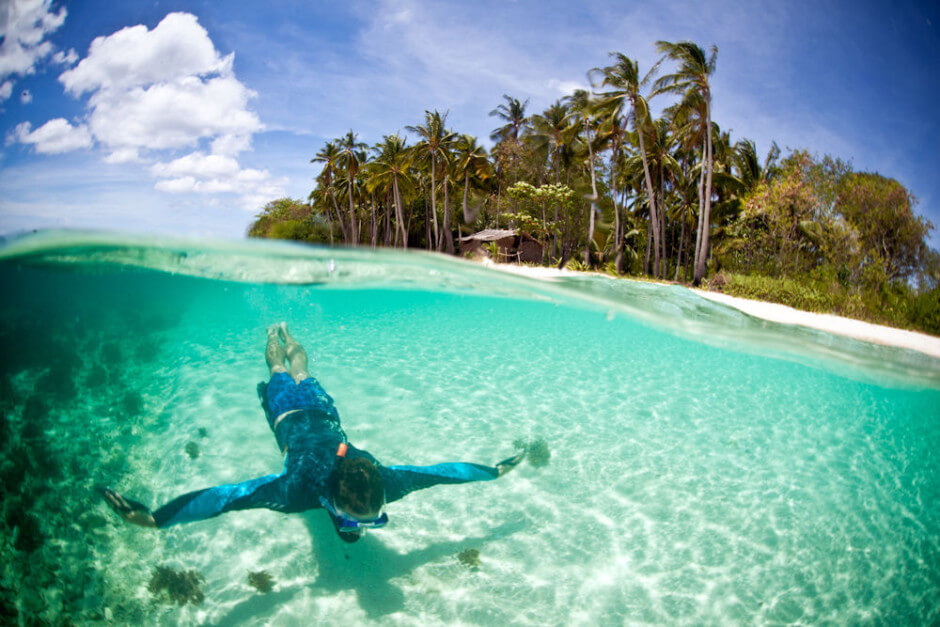 35-Places-To-Swim-In-The-Worlds-Clearest-Water-Linapacan-Island-Phillippines