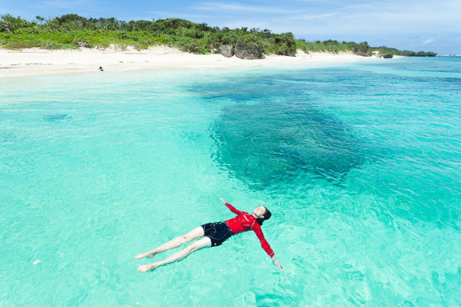 35 Places To Swim In The World's Clearest Water-Panari Island, Okinawa, Japan