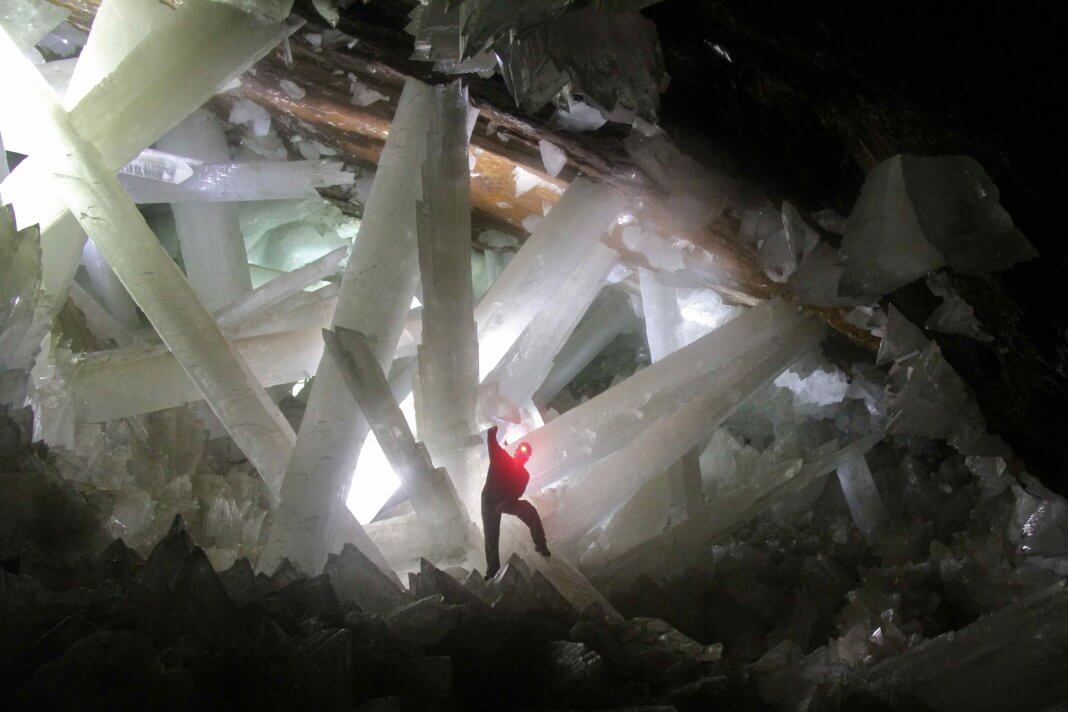 GIANT CRYSTAL CAVE - MEXICO-GIANT CRYSTAL CAVE - MEXICO