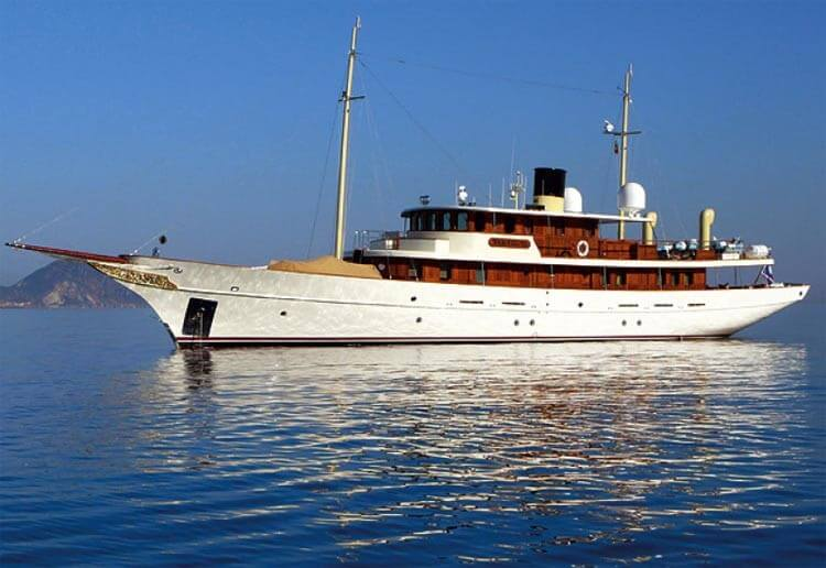 Johnny Depp net worth yacht
