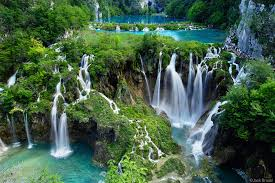 The Most Beautiful Places In The World You Didn't Know Existed-PLITVICE LAKES - CROATIA