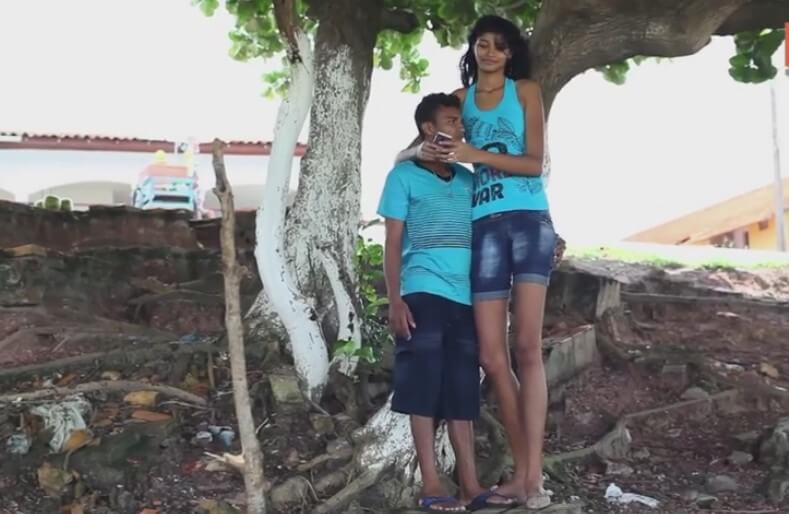 World's Tallest Girl boyfriend