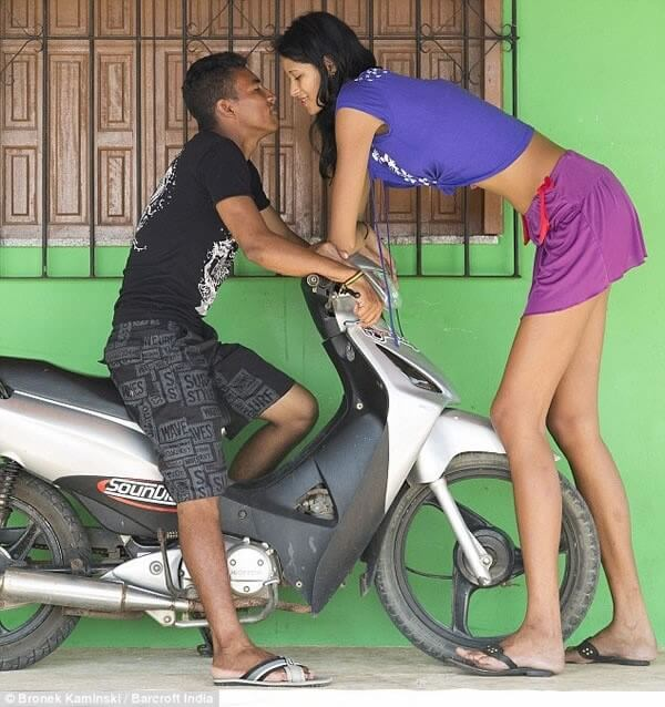 World's Tallest Girl love life