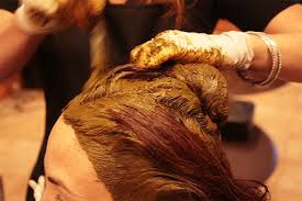 application of henna to get rid of dandruff
