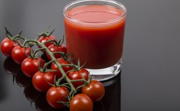 Tomato Juice for Scalp Acne
