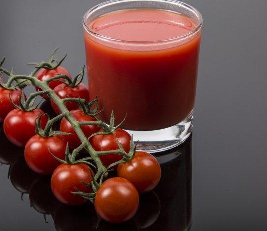 Tomato Juice for Scalp Acne