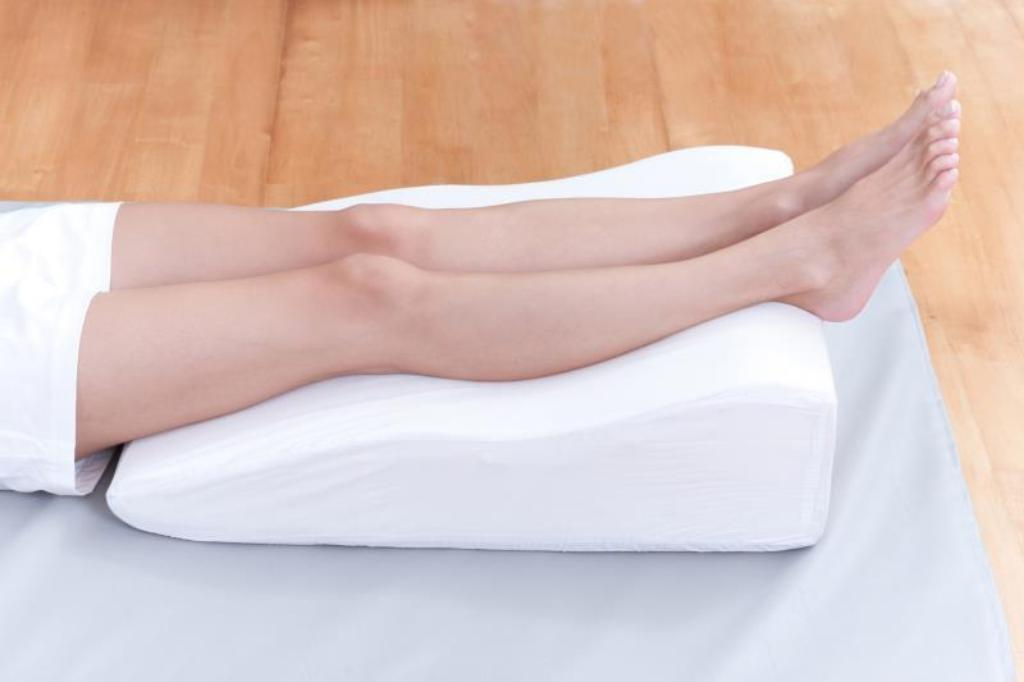 Revealing The Truth About Sleeping Positions Their Pros And Cons Scoopify