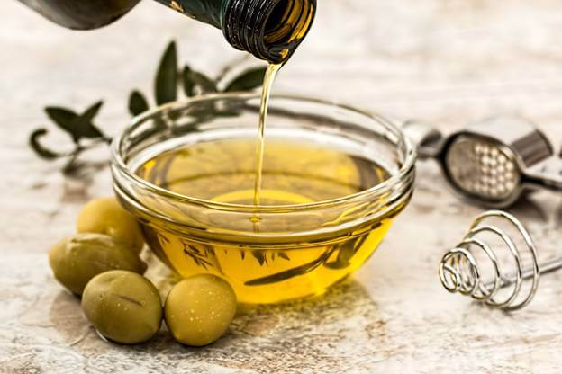 Olive oil to Get Rid of Stretch Marks