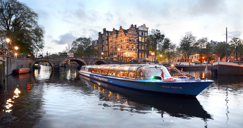 things to do in amsterdam - canal cruise