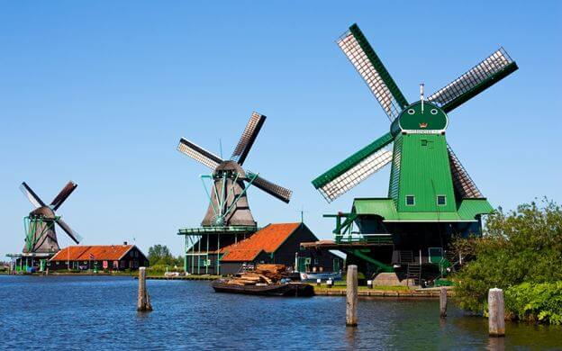 things to do in amsterdam- the windmill