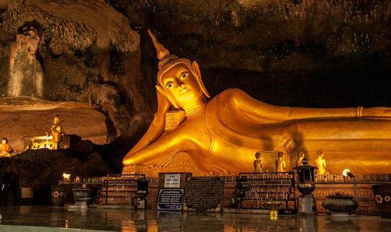 things to do in bangkok: Reclining Buddha