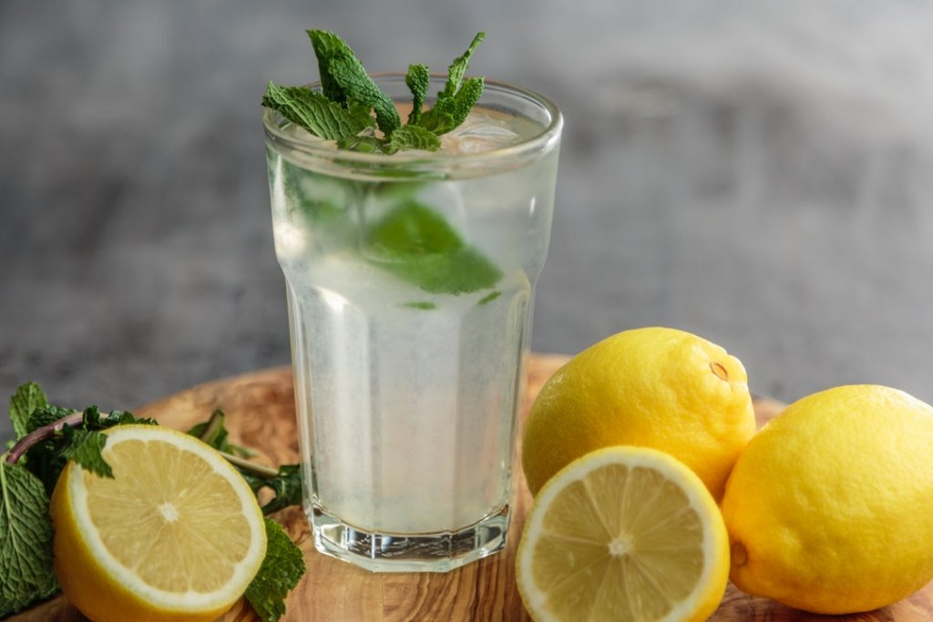 Four Safe and Inexpensive Ways to Do a Summer Detox