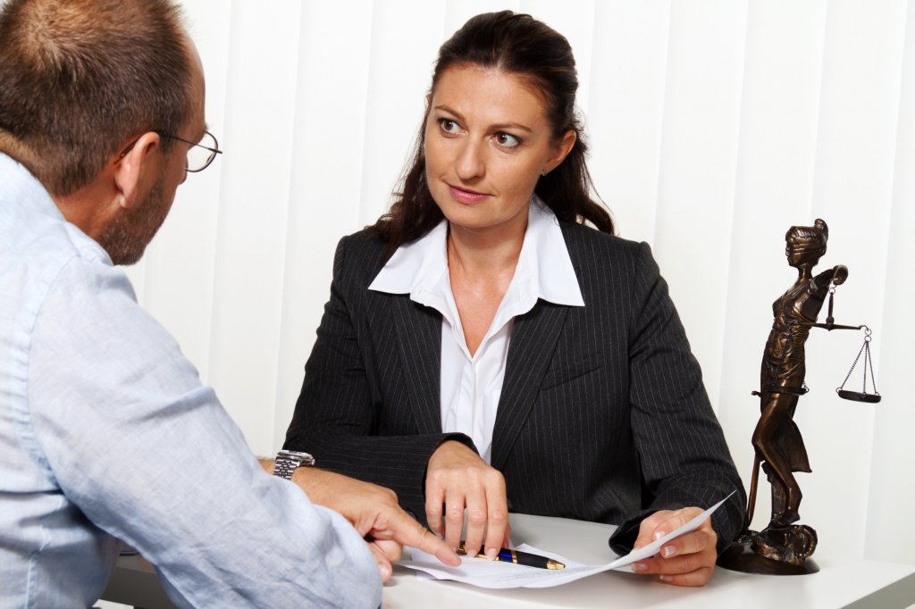 Legal Matters: What to Expect from a Free Lawyer Consultation