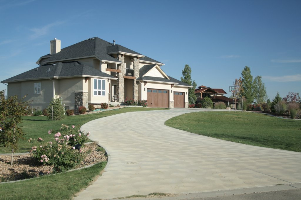 Keeping Up Your Curb Appeal: How to Find the Best Driveway Company