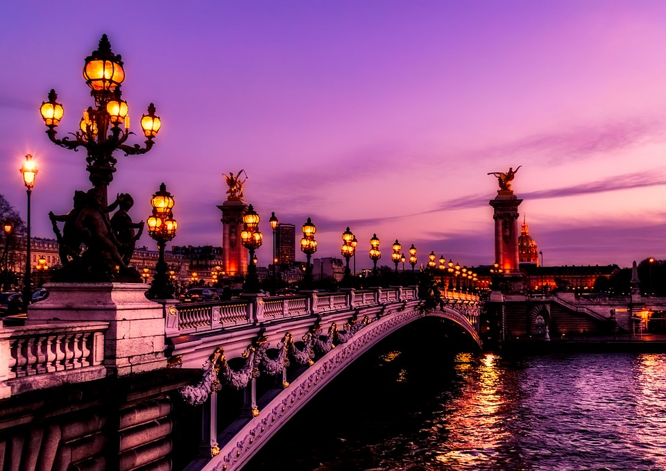 Paris Best Time for a Tour