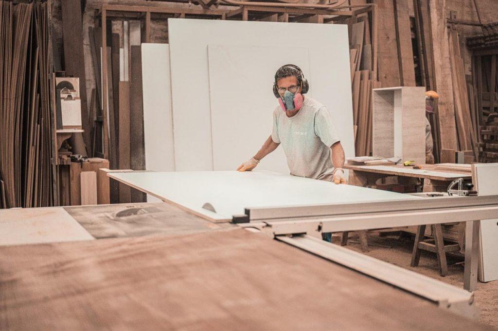 Polishing-Teak-Wood