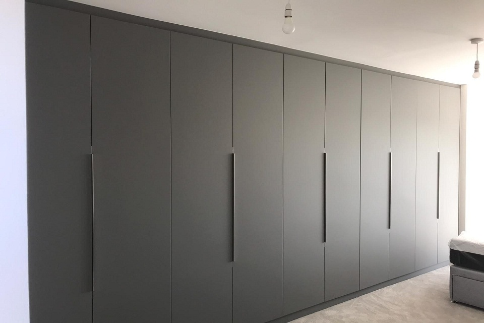 Homeowner Opt Fitted Wardrobes