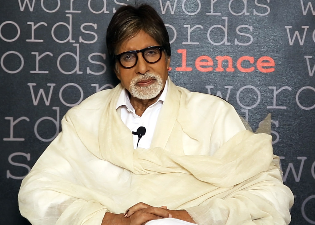 Amitabh Bachhan Net Worth - Complete Life of the Legendary Superstar